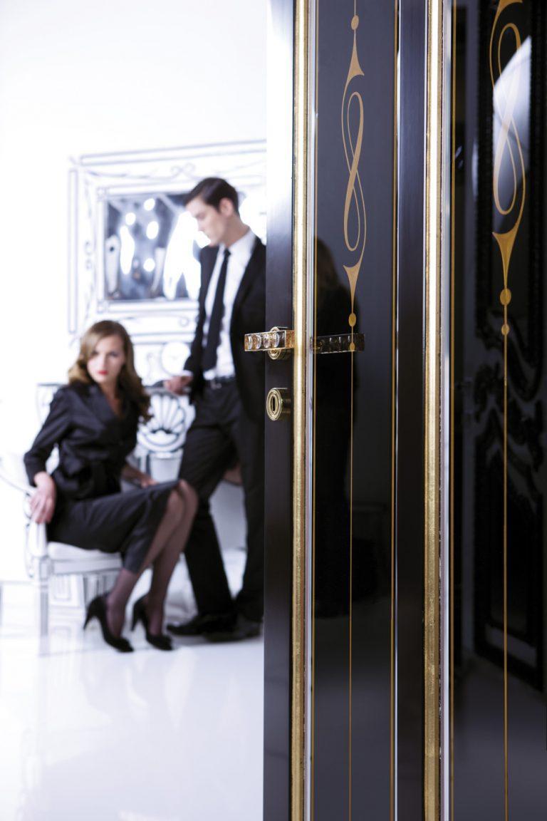 sigegold black door